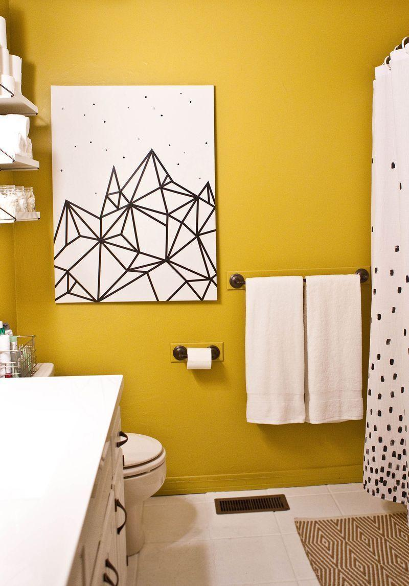 "Foto: Reprodução / <a href=""http://www.abeautifulmess.com/2014/12/try-this-easy-washi-tape-wall-art.html"" target=""_blank""> A beautiful mess </a>"