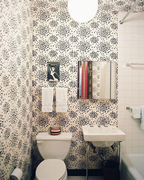 "Foto: Reprodução / <a href=""http://www.lonny.com/15+Ways+to+Make+the+Best+of+a+Tiny+Bathroom"" target=""_blank"">Lonny</a>"