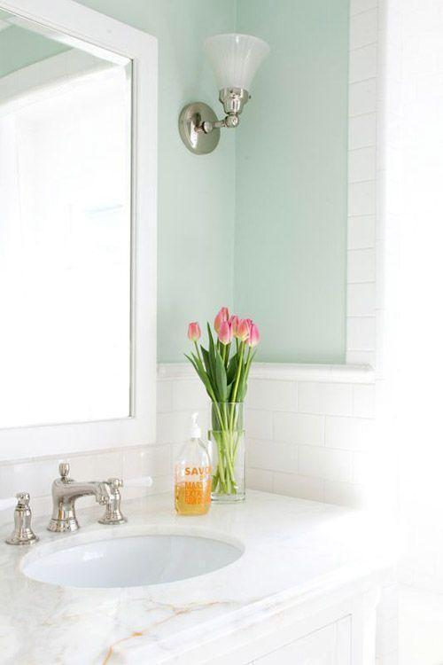 "Foto: Reprodução / <a href=""http://www.designsponge.com/2014/07/before-after-a-broken-down-bungalow-gets-beautified.html"" target=""_blank"">Design Sponge</a>"