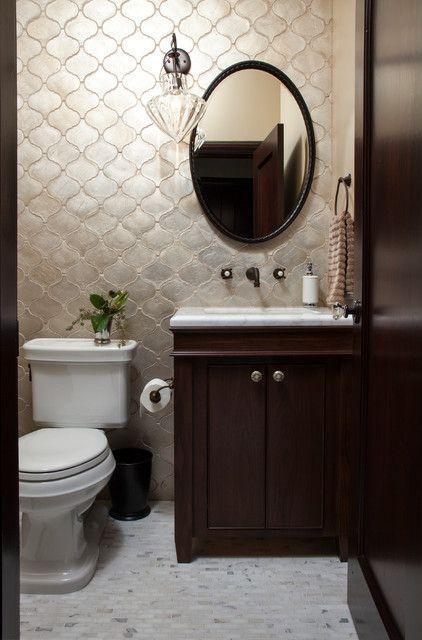 """Foto: Reprodução / <a href=""""http://www.houzz.com/photos/6155425/Marina-Resoration-mediterranean-bathroom-san-francisco"""" target=""""_blank"""">Houzz</a>"""