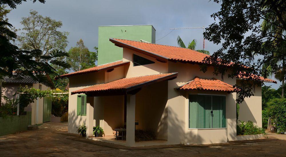 """Foto: Reprodução / <a href=""""http://www.arquiteturaa2.com/portfolio/9-portfolio/residencial/17-residencia-sitio-pontilhao-muzambinho-mg"""" target=""""_blank"""">Arquitetura A2</a>"""