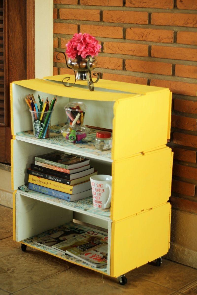 """Foto: Reprodução / <a href="""" https://journaldesorrisos.wordpress.com/2014/02/17/estante-de-caixa-inspiracao-diy/"""" target=""""_blank"""">Journal de sorrisos</a>"""