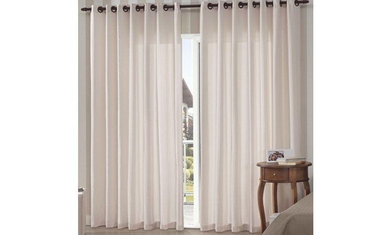 "Cortina Bella Janela 3,00 x 2,50 m por R$ 164,99 na <a href=""http://www.lojasdonna.com.br/produto/cortina+para+varao+bella+janela+300x250+cm+new+rustica+pantex+cru"" target=""_blank"">Lojas Donna</a>"