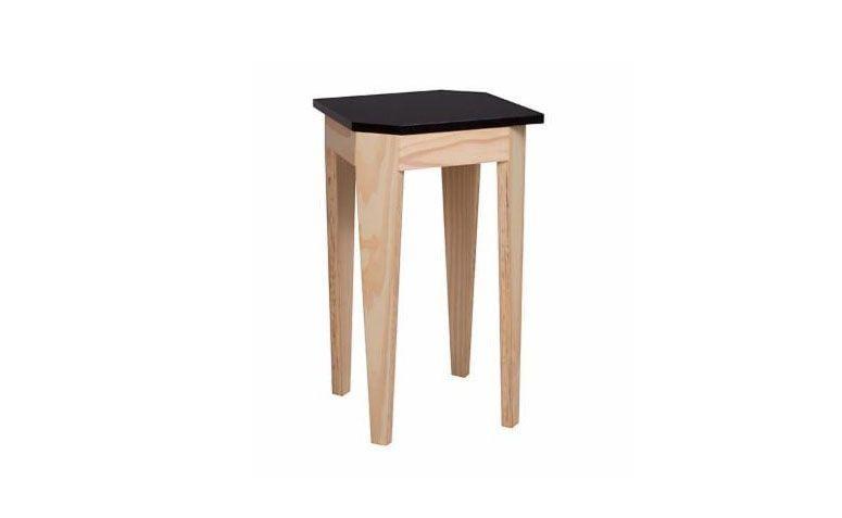 """Mesa lateral Rio por R$ 389,00 na <a href=""""https://www.meumoveldemadeira.com.br/ambientes/sala-de-estar/mesas-laterais/mesa-lateral-rio-cru-fosco-e-preto"""" target=""""_blank"""">Meu móvel de madeira</a>"""