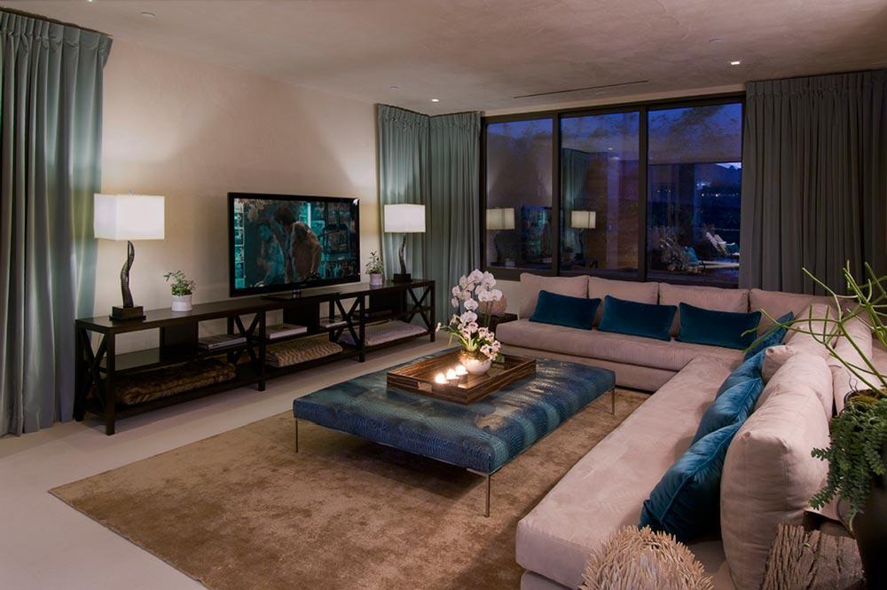 "Foto: Reprodução / <a href=""http://www.homedsgn.com/2011/03/16/blue-jay-residence-interior-by-lori-dennis/"" target=""_blank"">Homedsgn</a>"