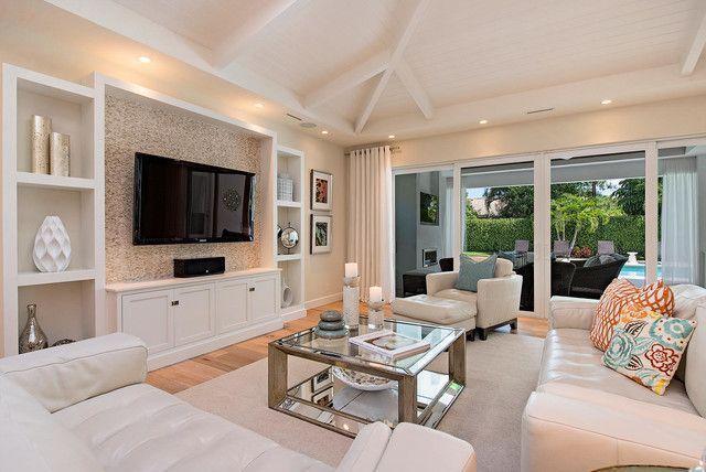 """Foto: Reprodução / <a href=""""http://www.houzz.com/photos/9217476/Fairway-Terrace-transitional-living-room-miam"""" target=""""_blank"""">Houzz</a>"""
