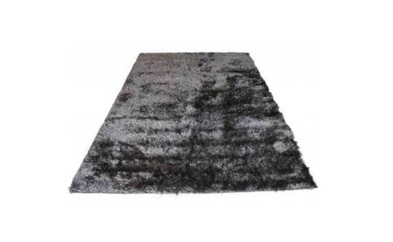 "<a Tapete Shaggy 1,50 x 2,00 m por R$ 590,00 na href=""http://www.tendadostapetes.com.br/contemporaneo/tapete-shaggy-fashion-pretocomcinza.html#customer-reviews "" target=""_blank"">Tenda dos tapetes</a>"