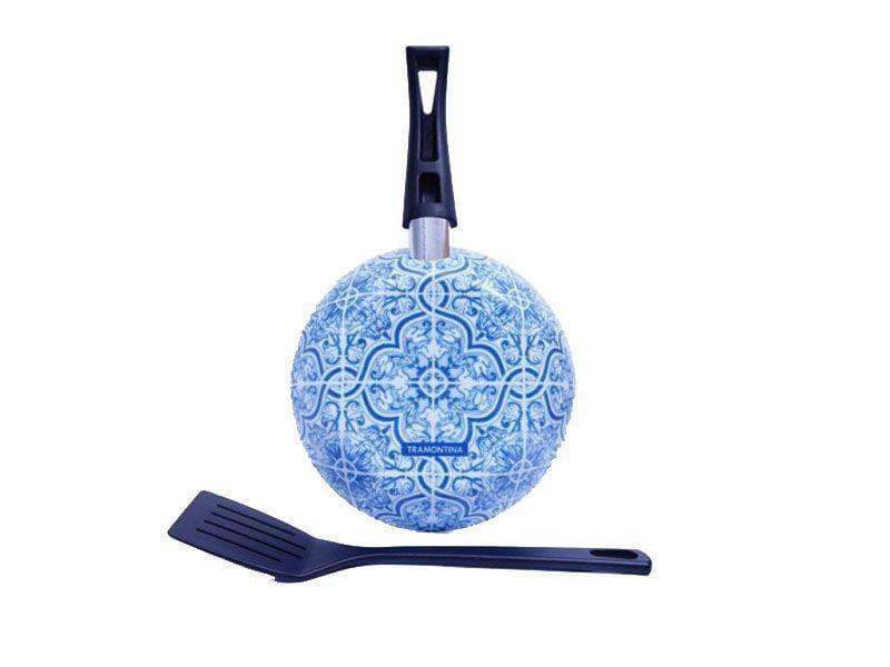 """Frigideira com Espátula (20cm) por R$59,90 na <a href=""""http://www.coqueluchepresentes.com.br/frigideira-c-esp-atula-azulejo-portugues-tramontina.html"""" target=""""blank_"""">Coqueluche Presentes</a>"""