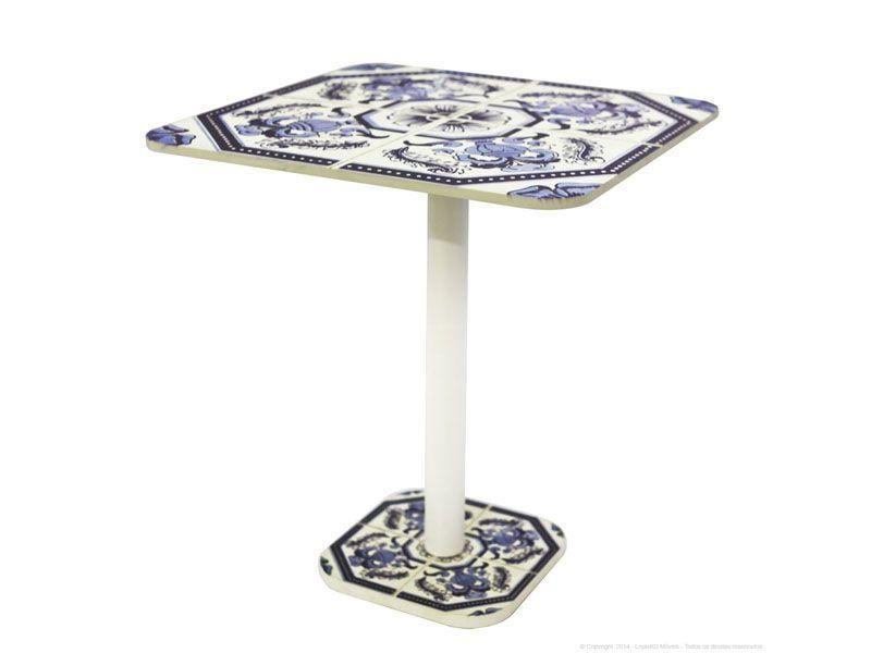 """Mesa Bistrô Quadrada por R$659 na <a href=""""http://www.essenciamoveis.com.br/mesa-bistro-quadrada-azulejo-portugues"""" target=""""blank_"""">Essência Móveis</a>"""