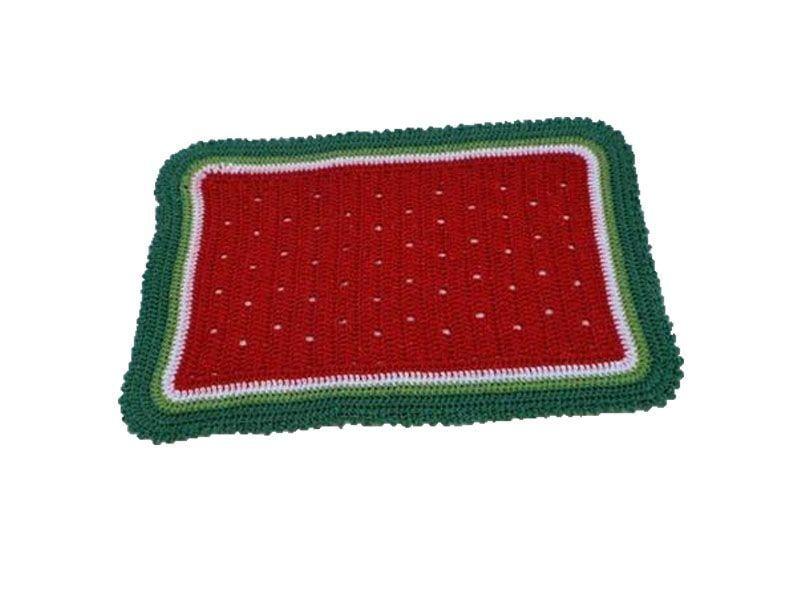"""Tapete de barbante colorido por R$ 45,00 na <a href=""""http://www.euquefaco.com.br/produto/tapete-de-barbante-de-algodao-em-croche-11467"""" target=""""_blank"""">Eu que faço</a>"""