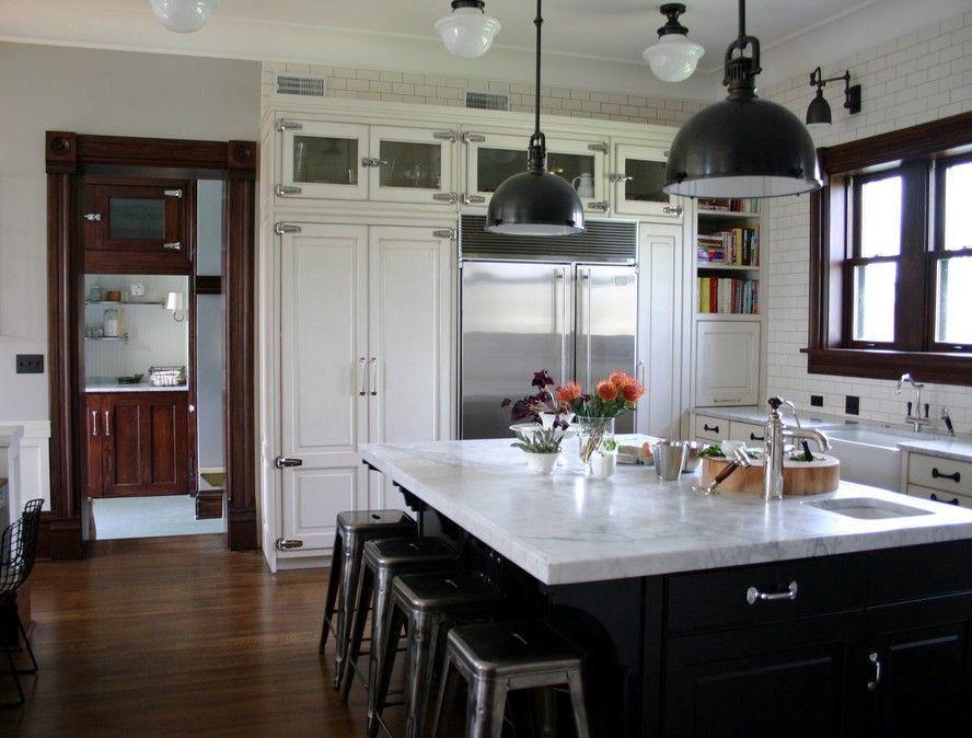"Foto: Reprodução / <a href="" http://www.houzz.com/photos/56738/KitchenLab-traditional-kitchen-chicago"" target=""_blank"">Rebekah Zaveloff</a>"