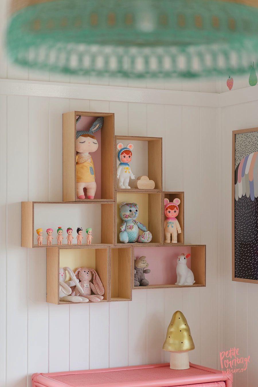 "Foto: Reprodução / <a href=""http://petitevintageinteriors.com.au/olivias-room-tour/"" target=""_blank""> Petit Vintage Interiors</a>"