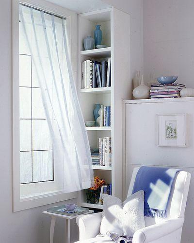 "Foto: Reprodução / <a href=""http://mywhiteroom.tumblr.com/post/42347851184/homedesigning-via-reading-nook-design-spaces"" target=""_blank"">My white room</a>"