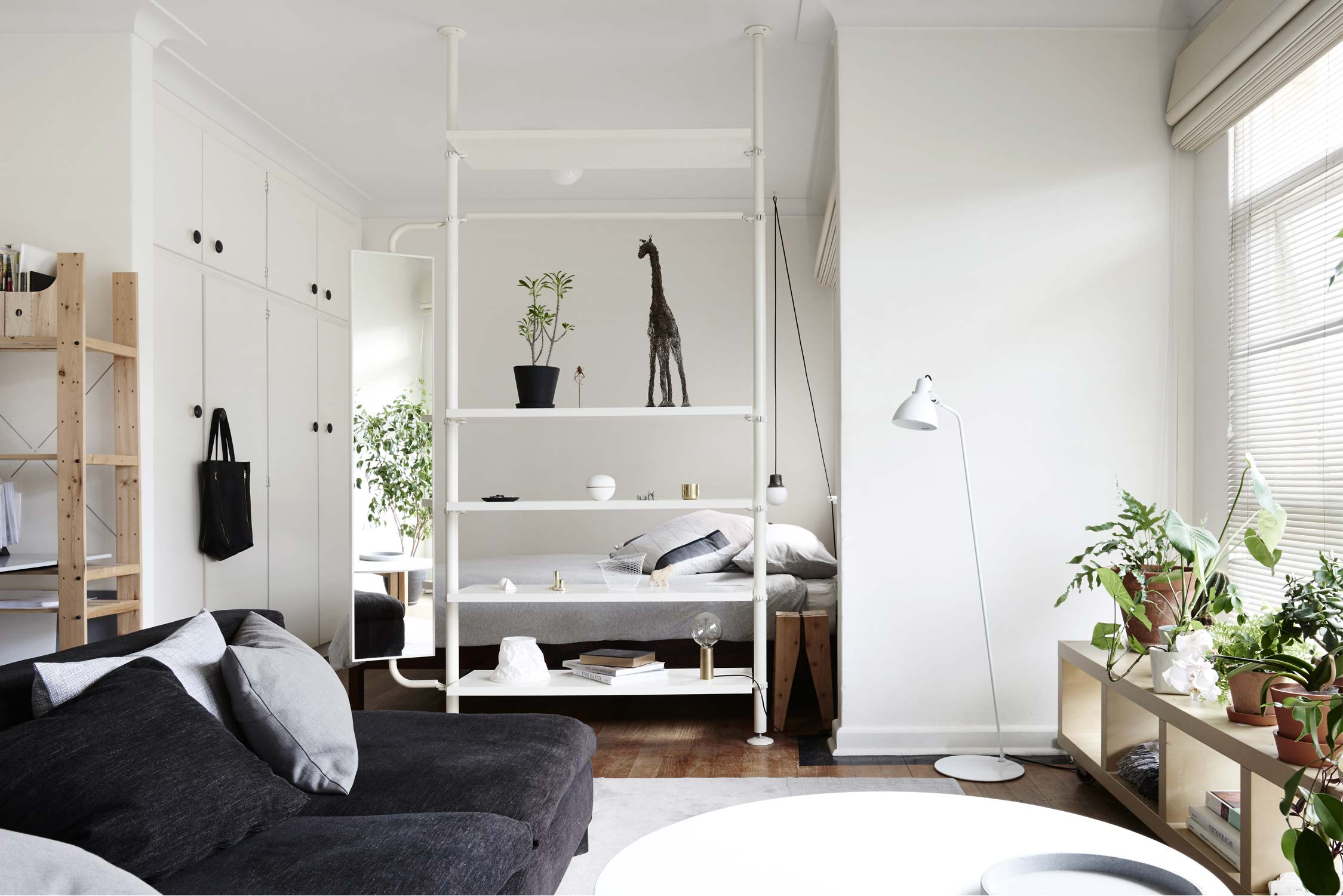 "Foto: Reprodução / <a href=""http://www.studiomoore.com.au/styling/studio-apartment/"" target=""_blank"">Studio Moore</a>"