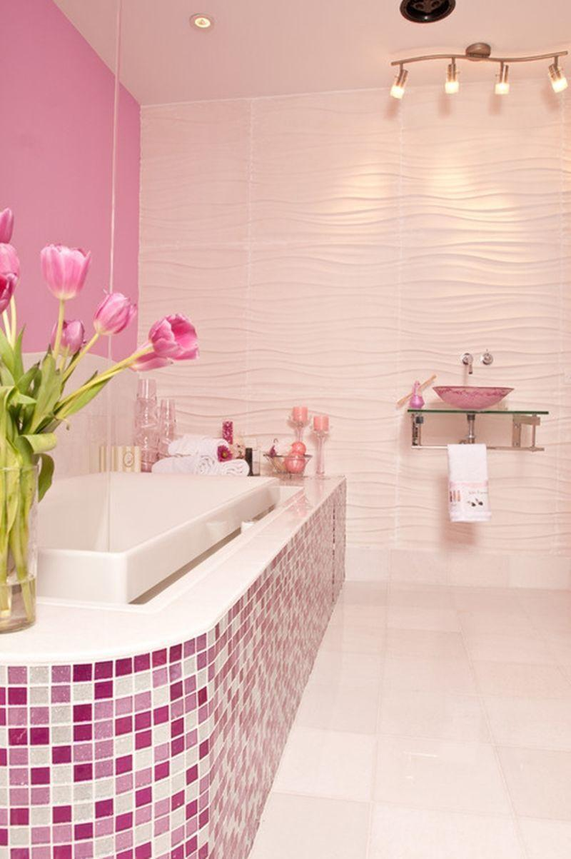 "Foto: Reprodução / <a href=""http://www.susanjablon.com/gallery/p#glamorous-pink-glitter-tile-shower.html"" target=""_blank"">Susan Jablon</a>"