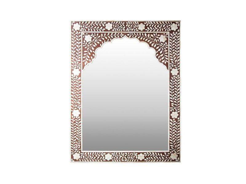 "Espelho por R$3029,00 na <a href=""http://www.theodorahome.com.br/prod,idloja,19925,idproduto,4738497"" target=""blank_"">Theodora Home</a>"