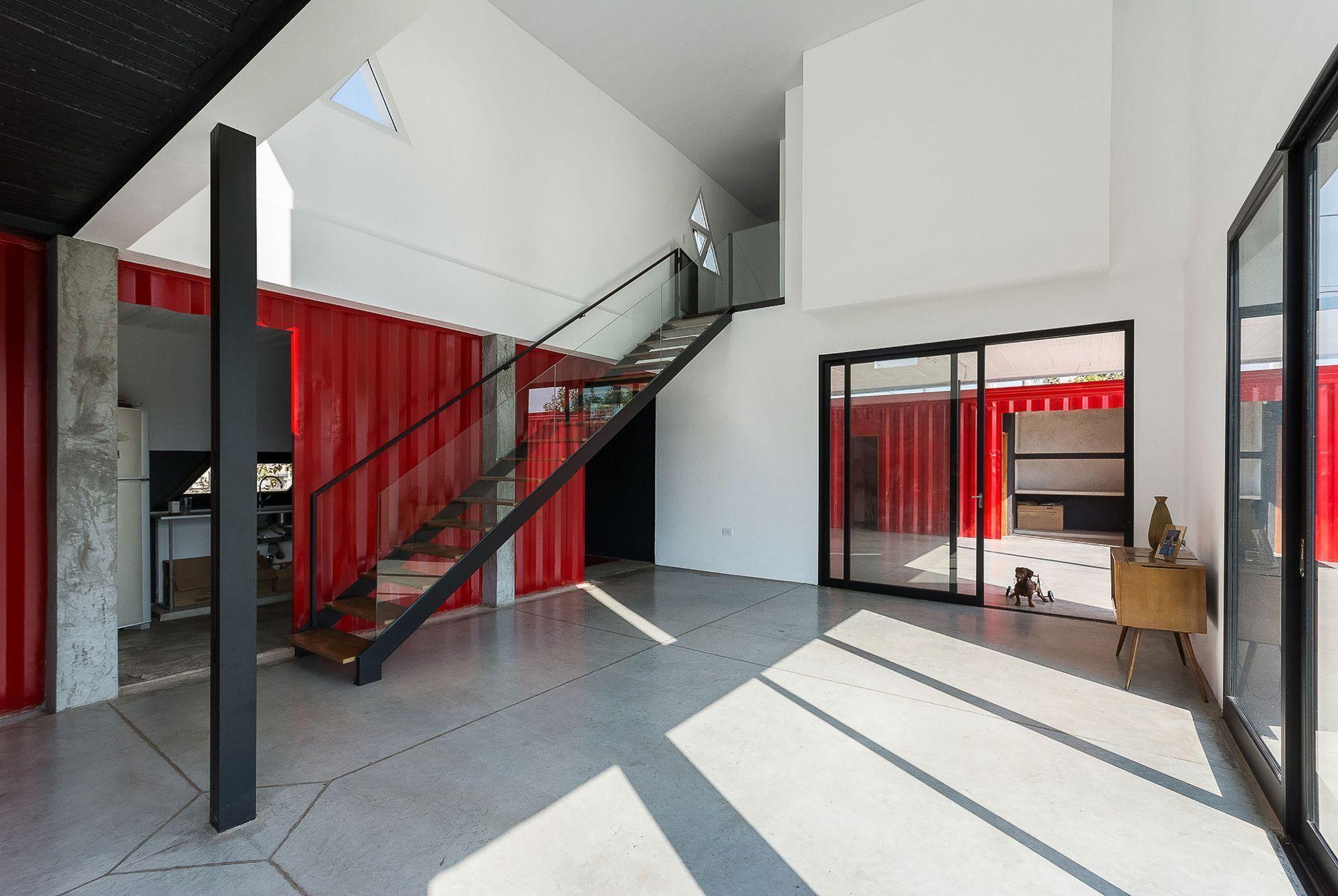 "Foto: Reprodução / <a href=""http://www.archdaily.com.br/br/767378/casa-container-jose-schreiber-arquitecto"" target=""_blank"">José Schreiber</a>"