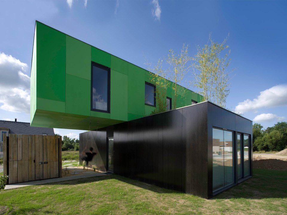 "Foto: Reprodução / <a href=""http://smallhousebliss.com/2013/07/17/crossbox-by-cg-architectes/"" target=""_blank"">Small House Bliss</a>"