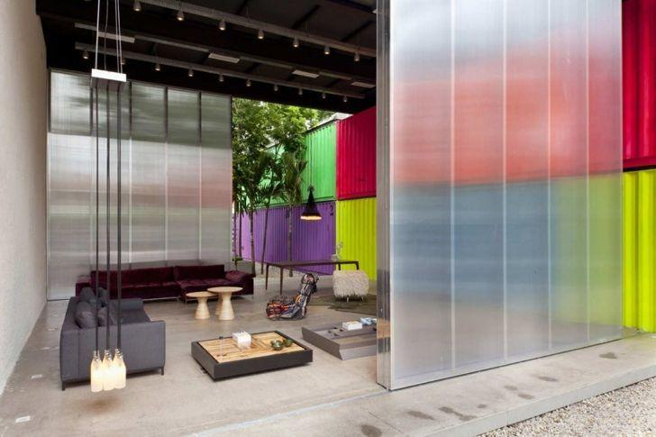 """Foto: Reprodução / <a href=""""http://inhabitat.com/fashionable-sao-paulo-furniture-store-shows-its-goods-in-colorful-stacked-containers/decameron-13/?extend=1"""" target=""""_blank"""">Inhabitat</a>"""