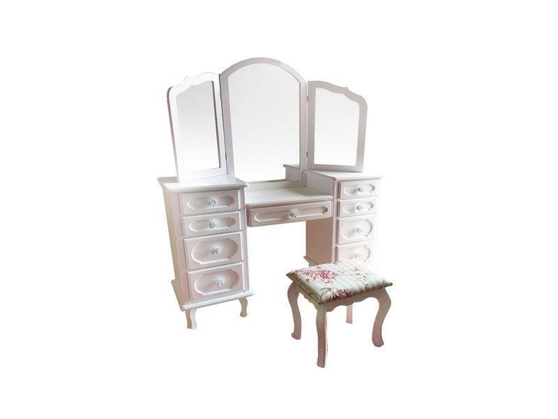 """Penteadeira com espelho provençal por R$1186,50 na <a href=""""http://www.americanas.com.br/produto/9513373/penteadeira-com-espelho-provencal-com-9-gavetas-banqueta-estofada"""" target=""""blank_"""">Lojas Americanas</a>"""