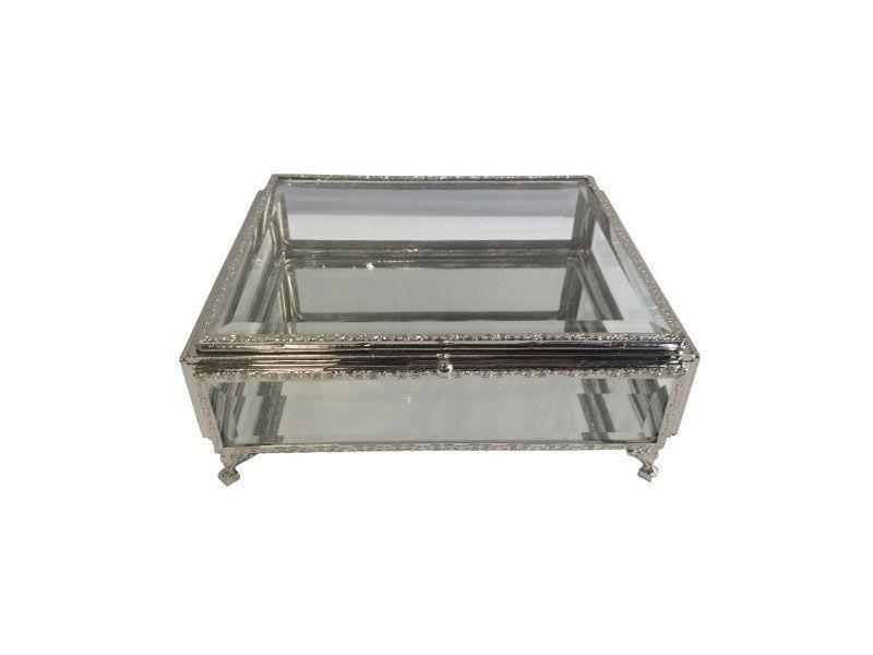 """Porta-joias de metal e vidro por R$176,74 na <a href=""""http://www.organizeshop.com.br/00001210-porta-joia-metal-e-vidro-transparente/p"""" target=""""blank_"""">Organize Shop</a>"""
