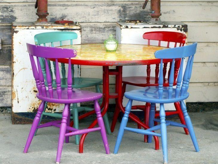 Resultado de imagem para Modelo de cadeiras coloridas de ferro
