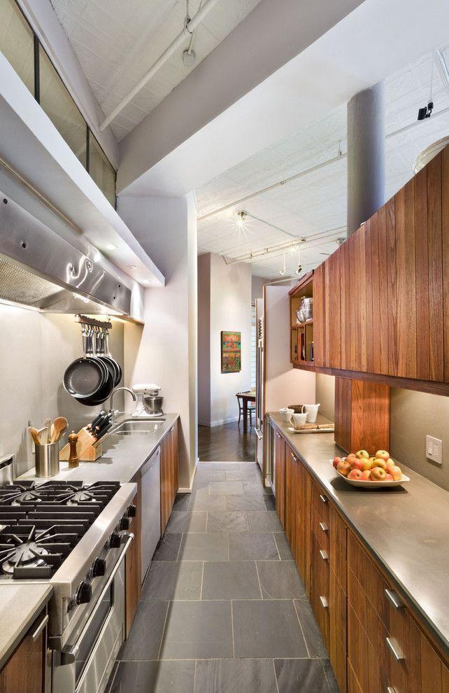 60 cozinhas tipo corredor para voc se inspirar for Cocinas angostas
