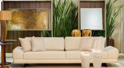 Inpire-se nesta sala de estar com 72 m² repleta de sofisticação