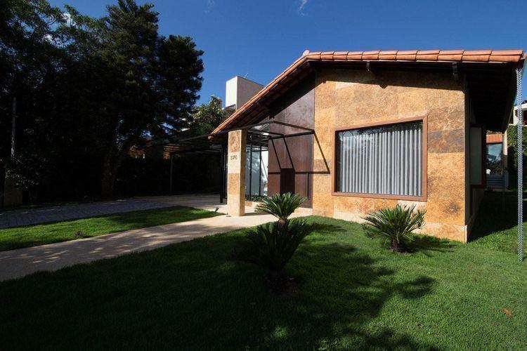 Fachadas de casas pequenas e modernas 100 fotos lindas e for Fachadas de viviendas pequenas