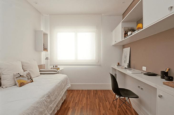 quarto pequeno todo branco