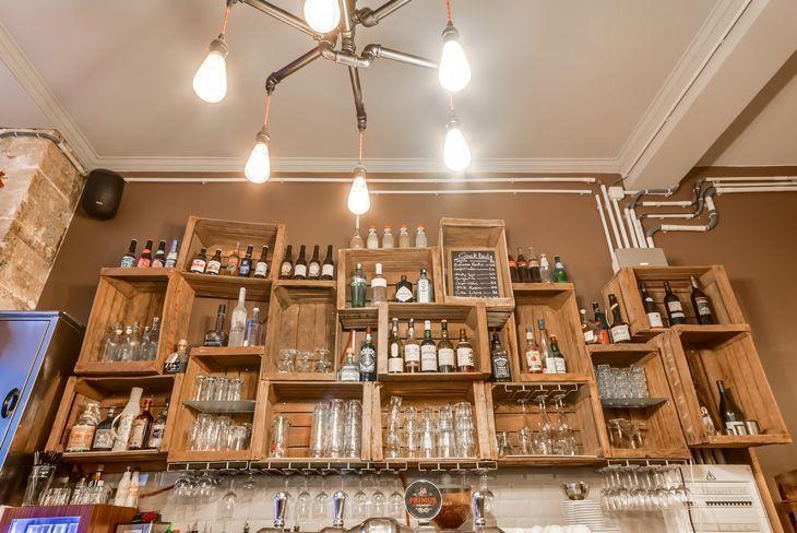 Como usar caixotes de madeira na decora o de casa for Bar para casa rustico