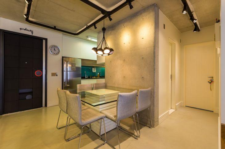 Um projeto de apartamento decorado com estilo industrial for Cortinas estilo industrial