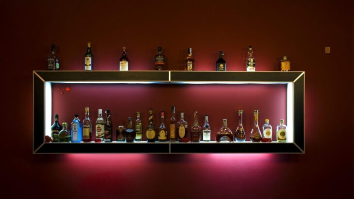 Watch in addition Ledliquorshelves wordpress together with Bar De Parede additionally Led Floating Shelves furthermore Store Type Convenience Store Shelving. on liquor display bar shelves