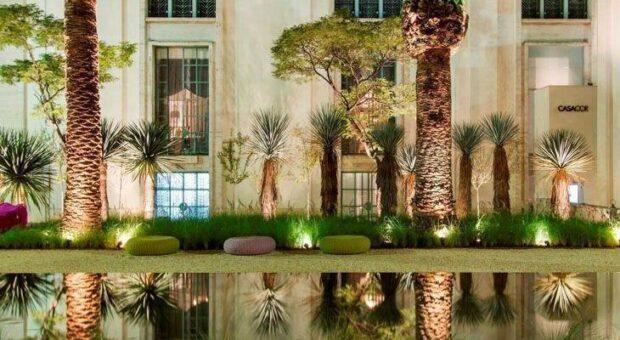 Pequeno oásis: 40 projetos incríveis de lagos em jardins de casas