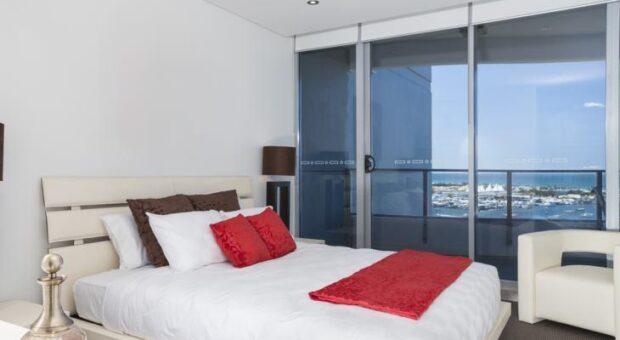 Como escolher a porta de vidro ideal para sua casa