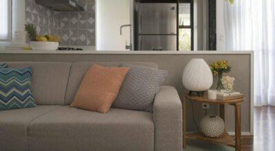 Apartamento em Moema transmite tranquilidade com estilo clean e linhas retas