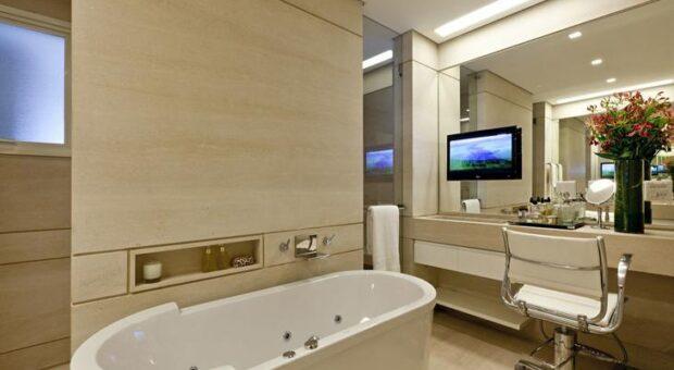 Banheiros com banheiras: 100 ideias com visuais de tirar o fôlego