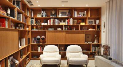 Branco e madeira: combinação que dá certo na decoração