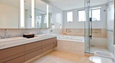Armário para banheiro: 60 modelos para organizar e decorar com elegância