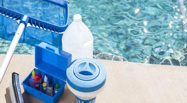 Aprenda o passo a passo de como limpar piscina corretamente