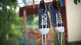 Como limpar tênis: aprenda 7 truques fáceis e rápidos para fazer em casa