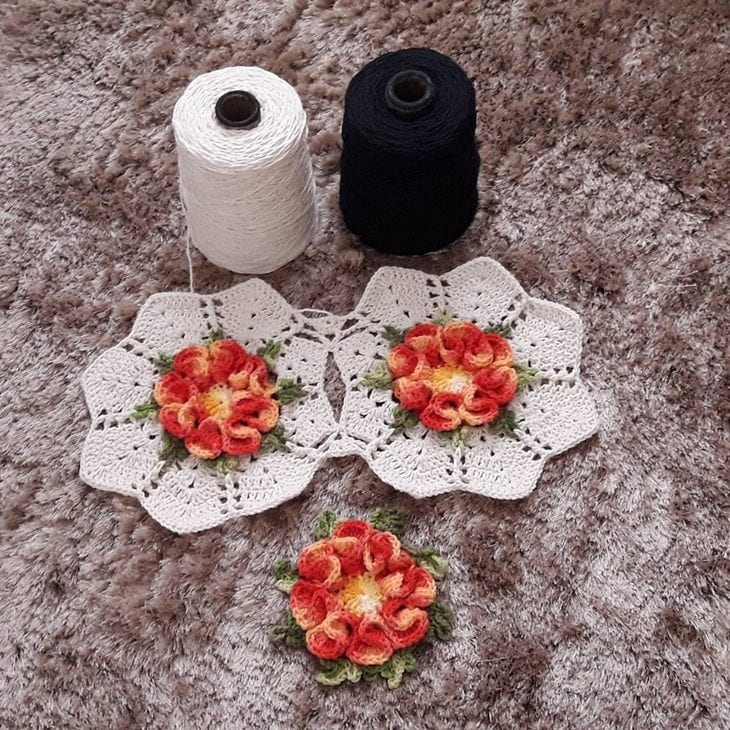 0184b2150cc Flor de crochê  aprenda a fazer e inspire-se com 90 aplicações ...