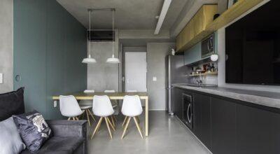 Apartamento de 42m² ganha espaços amplos com ajuda de painéis