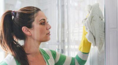 Como limpar o box do banheiro em 8 passos fáceis e infalíveis