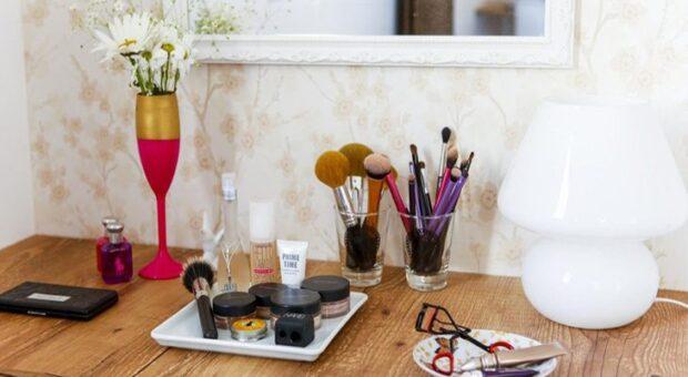 Como organizar a maquiagem: passo a passo e dicas para te ajudar