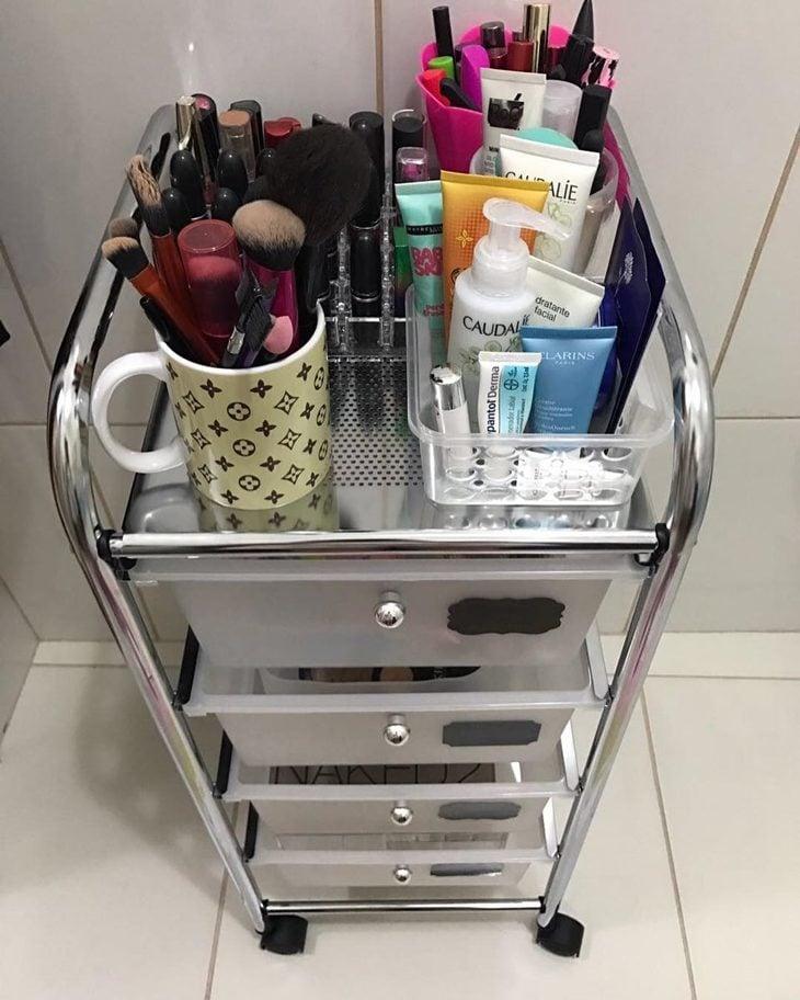 6bf498e12 Como organizar maquiagem  50 ideias geniais com dicas (passo a passo)
