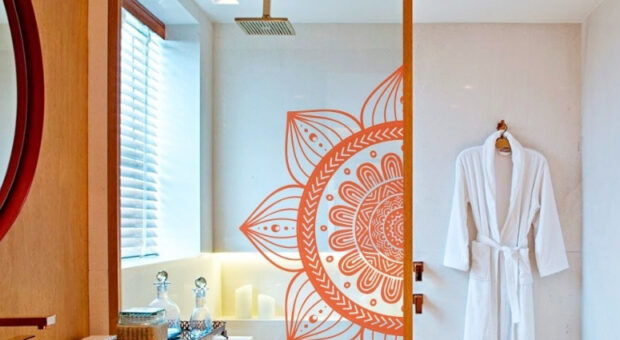 Adesivo para box de banheiro: 35 fotos para te ajudar a renovar o cômodo