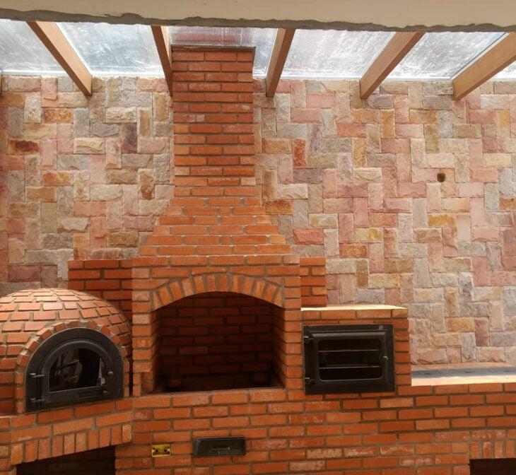 churrasqueira de tijolo grande e rústica