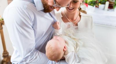 Convite para padrinhos de batismo: 55 ideias que vão honrar o momento