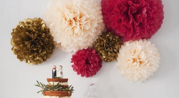 Flor de papel de seda: tutoriais e 55 ideias delicadas para decoração